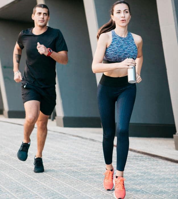 couple-running-stroll-morning