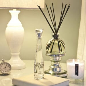 bedroom-large-reed-diffuser-bell-perfumed-candle-room-spray