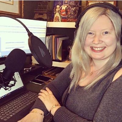 Joanne-Hendrickson-recording-podcast